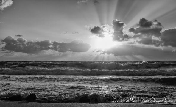 steve_daponte_monochrome_beachsunrise_img0920